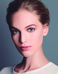 Maquillada con Vitalumière Fond de Teint Poudre Libre (PVPR 65 €)