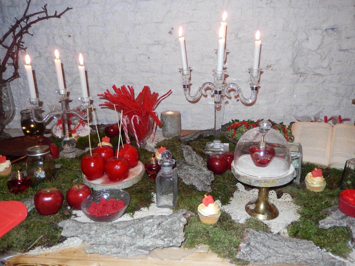 Mesa de dulces para presenta la fragancia Sweet, de Lolita Lempicka.