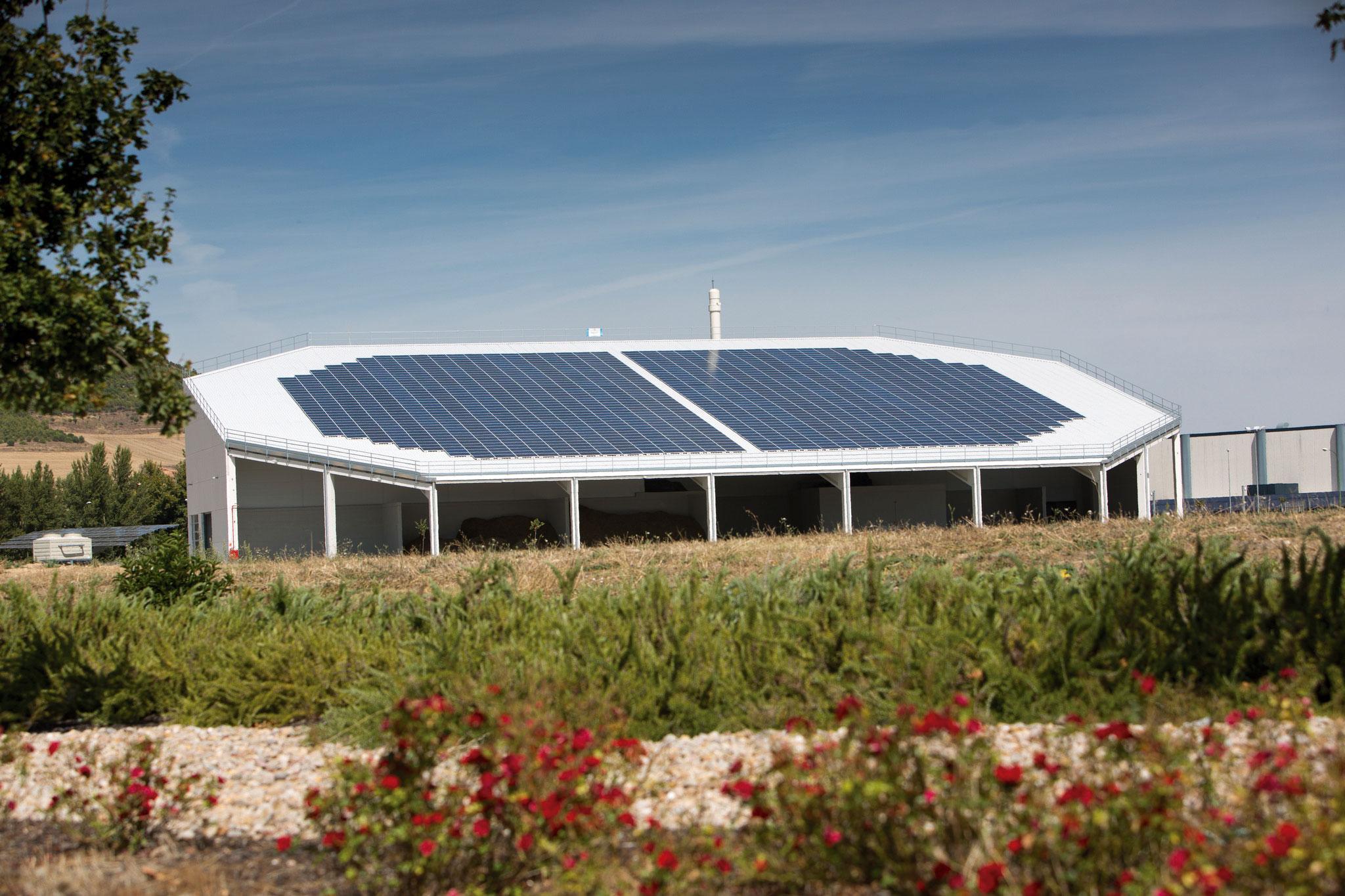 Central térmica de biomasa que provee de energía a la fábrica de L'Oréal en Burgos.