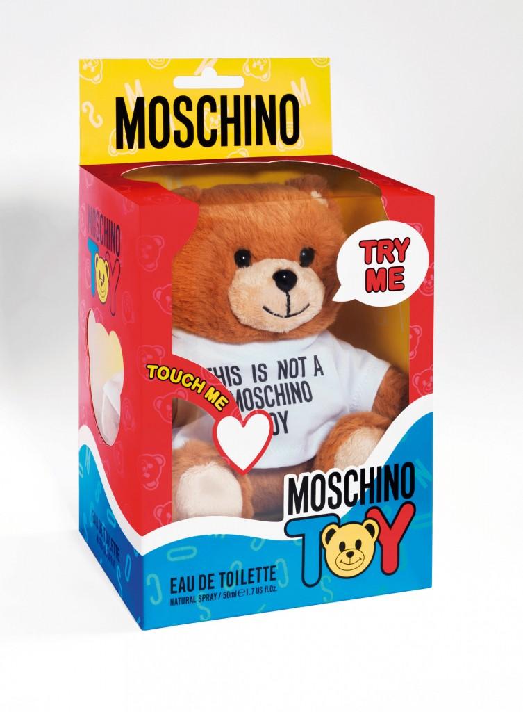 Moschino Toy en su estuche.