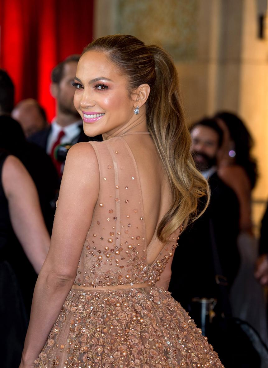 Jennifer Lopez en los Óscars 2015.