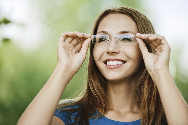 Trucos de maquillaje para gafas, por Max Factor