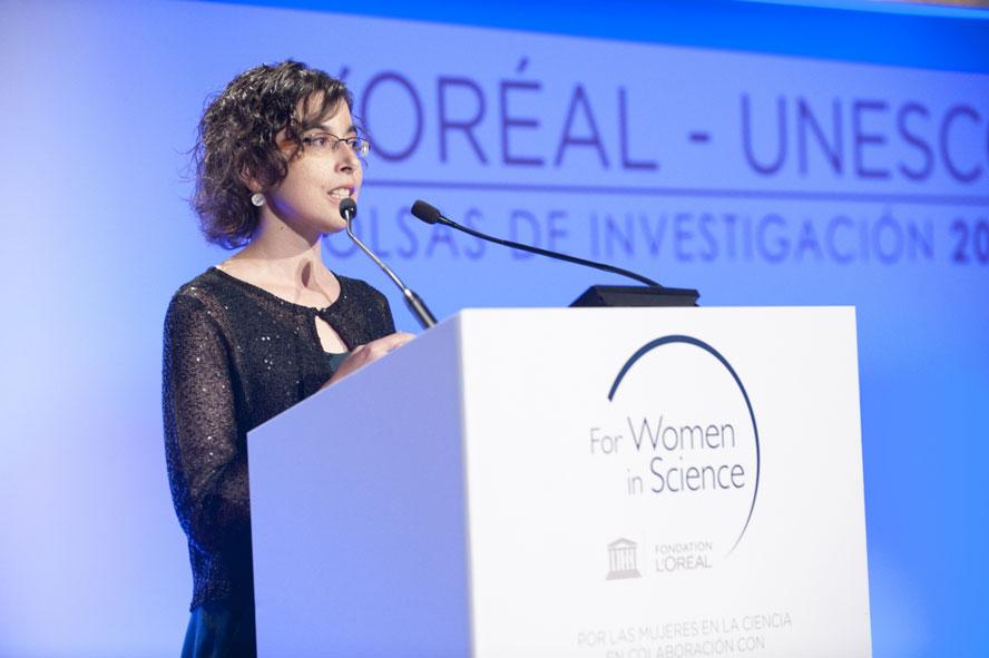 Eva Pellicer, científica becada por L'Oréal-Unesco.