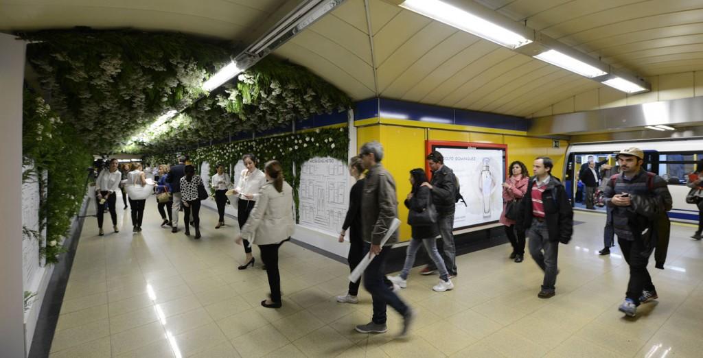 Agua Fresca de Rosas en el metro de Callao.