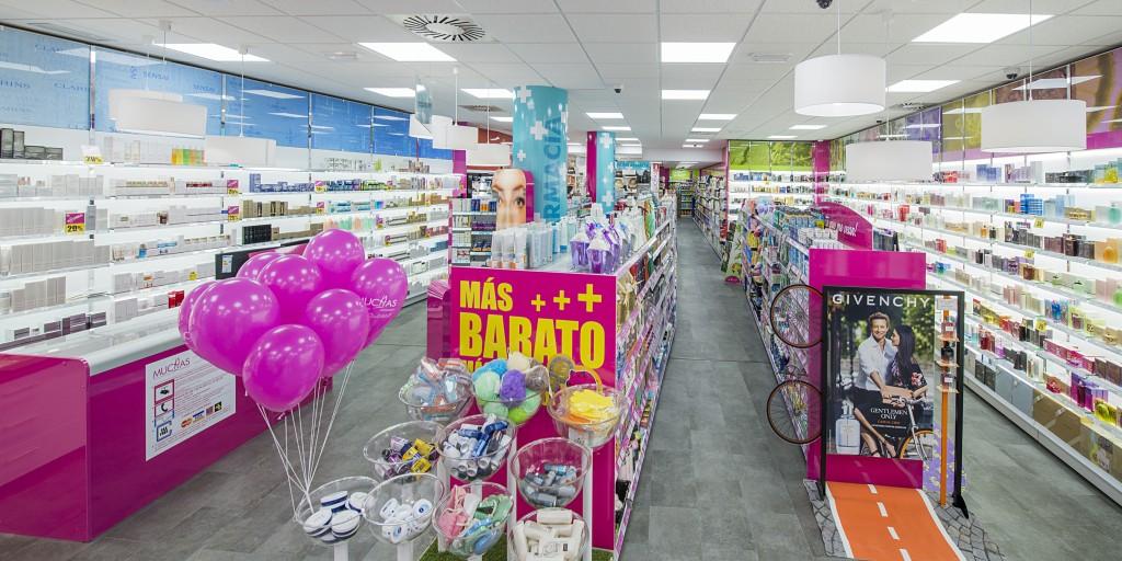 Muchas. Interior tienda Medina del Campo.