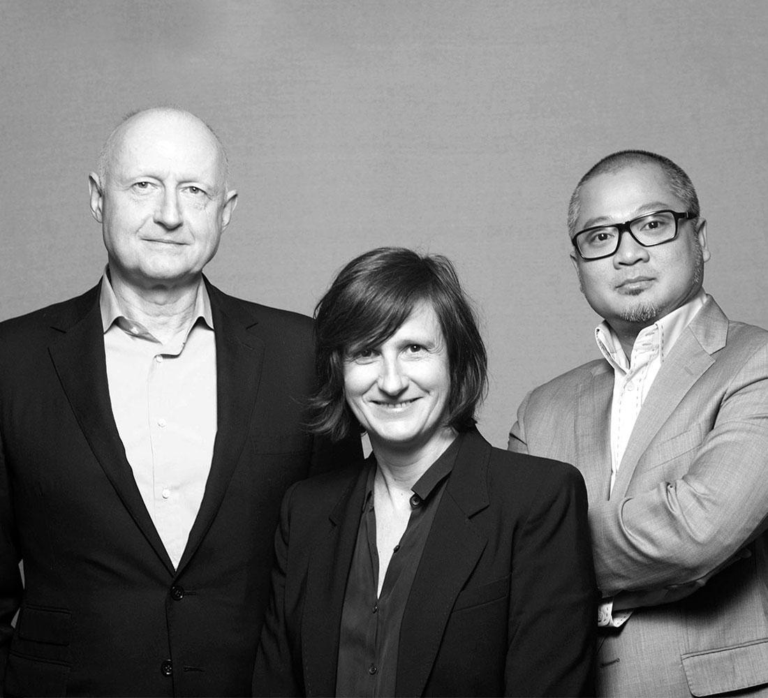 Dominique Ropion, Anne Flipo y Loc Dong, el trío de perfumistas de IFF que ha creado Olympéa.
