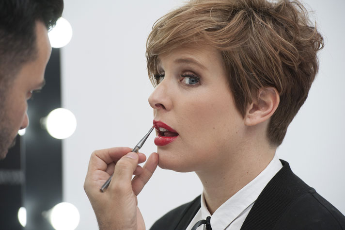 Tania LLasera maquillada por Miguel Álvarez, maquillador oficial de Max Factor.
