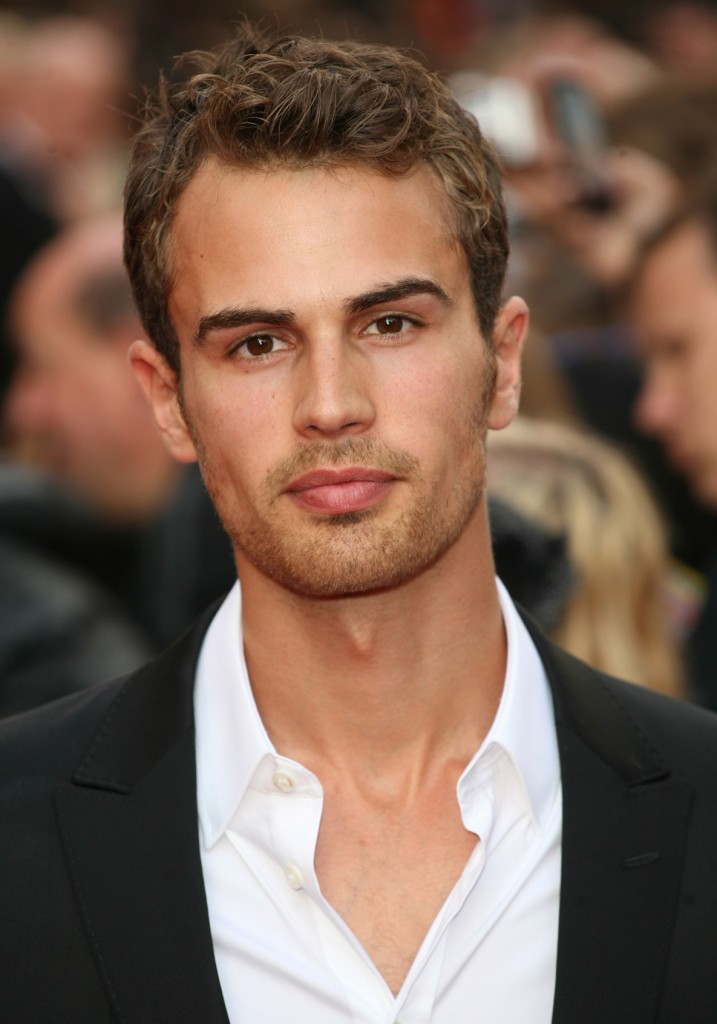 El actor Theo James.