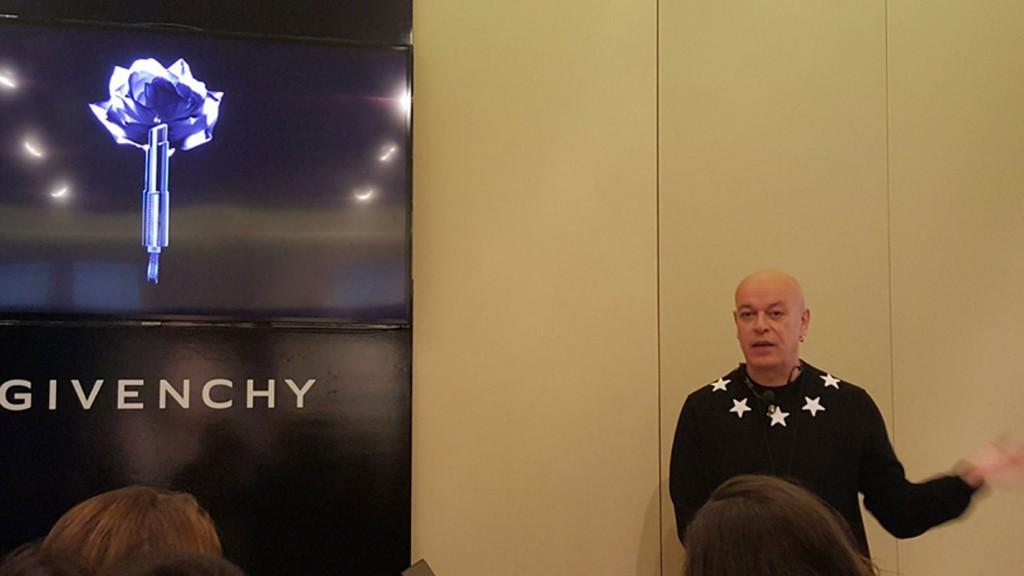 Nicolas Degennes, director artístico de maquillaje de Givenchy.