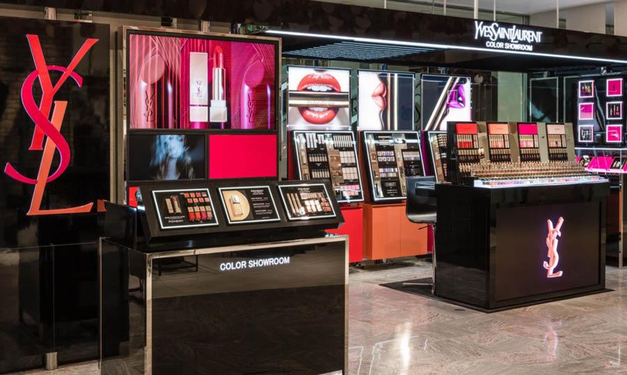 YSL Color Showroom, nuevo mueble de color lanzado en 2015.