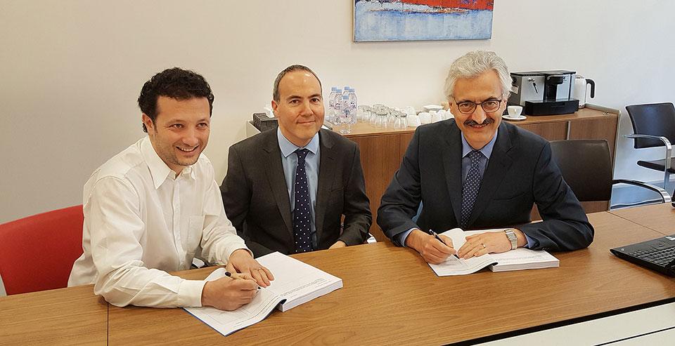 Firma P&G y Mibelle Group para la compra de la fábrica Ondal en Francia.