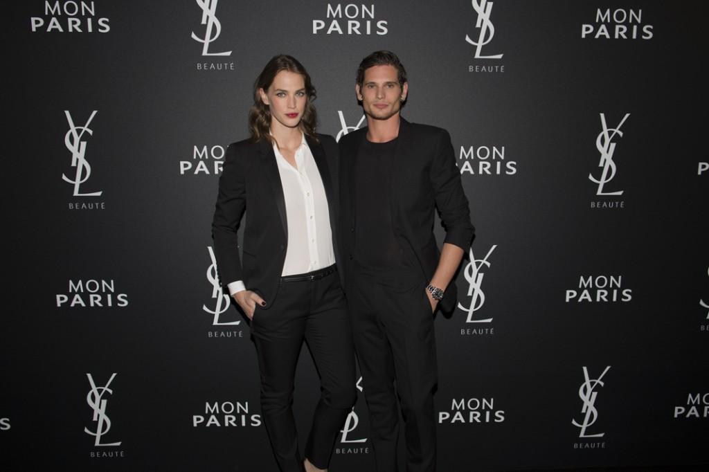 Crista Cober y Jérémie Laheurte, modelos protagonistas de la campaña de Mon Paris, YSL