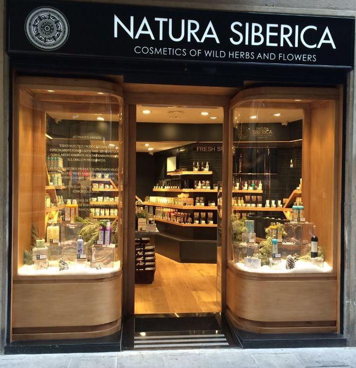 Natura Siberica concept store Barcelona fachada tienda