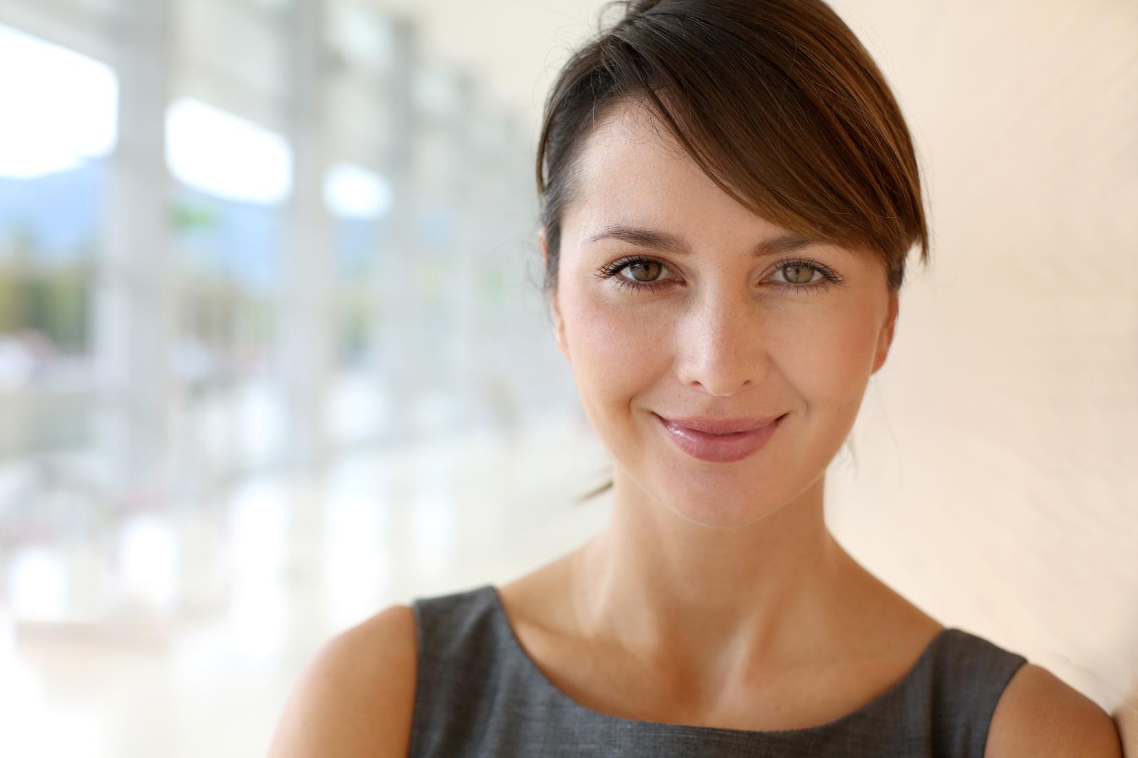 mujer 30 años cuidado de la piel