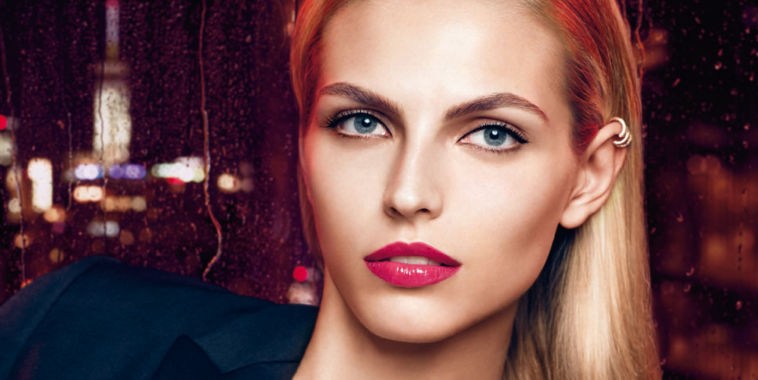 Beautiful Color Bold Liquid Lipstick Elizabeth Arden visual publicitario con modelo