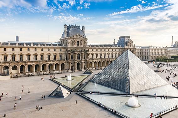 LOUVRE Paris Francia