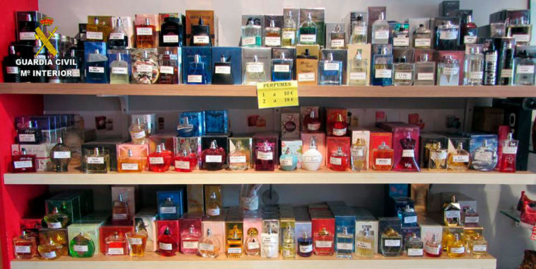 Perfumes falsos incautados en Tarragona.