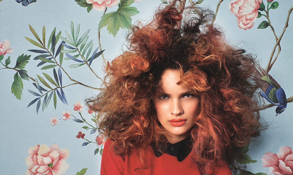 henkel spain beyond borders, modelo cabello rizado y alborotado