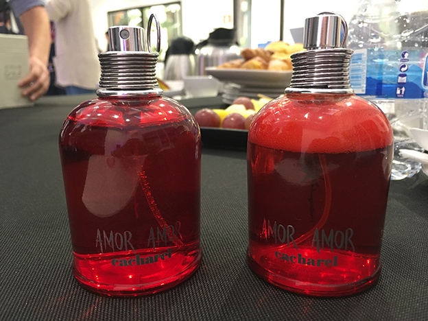 perfume verdadero y falso Amor Amor Cacharel
