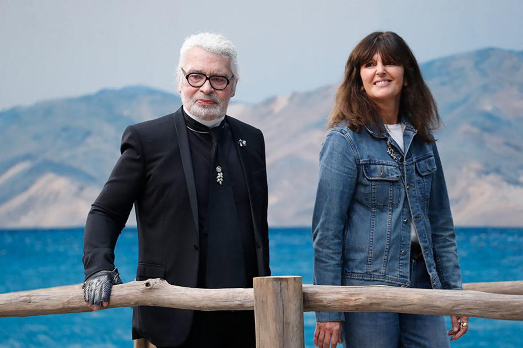 Karl Lagerfeld y Virginie Viard en el desfile primavera-verano 2019 de Chanel, en octubre de 2018.