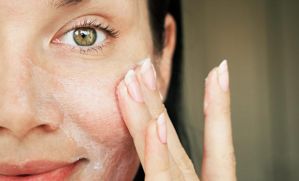 Envejecimiento de la piel, texto sobre crema más eficaz para frenar el envejecimiento