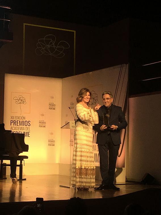 Premio Mejor Perfume de Autor para Café del Mar, de Ramón Monegal.