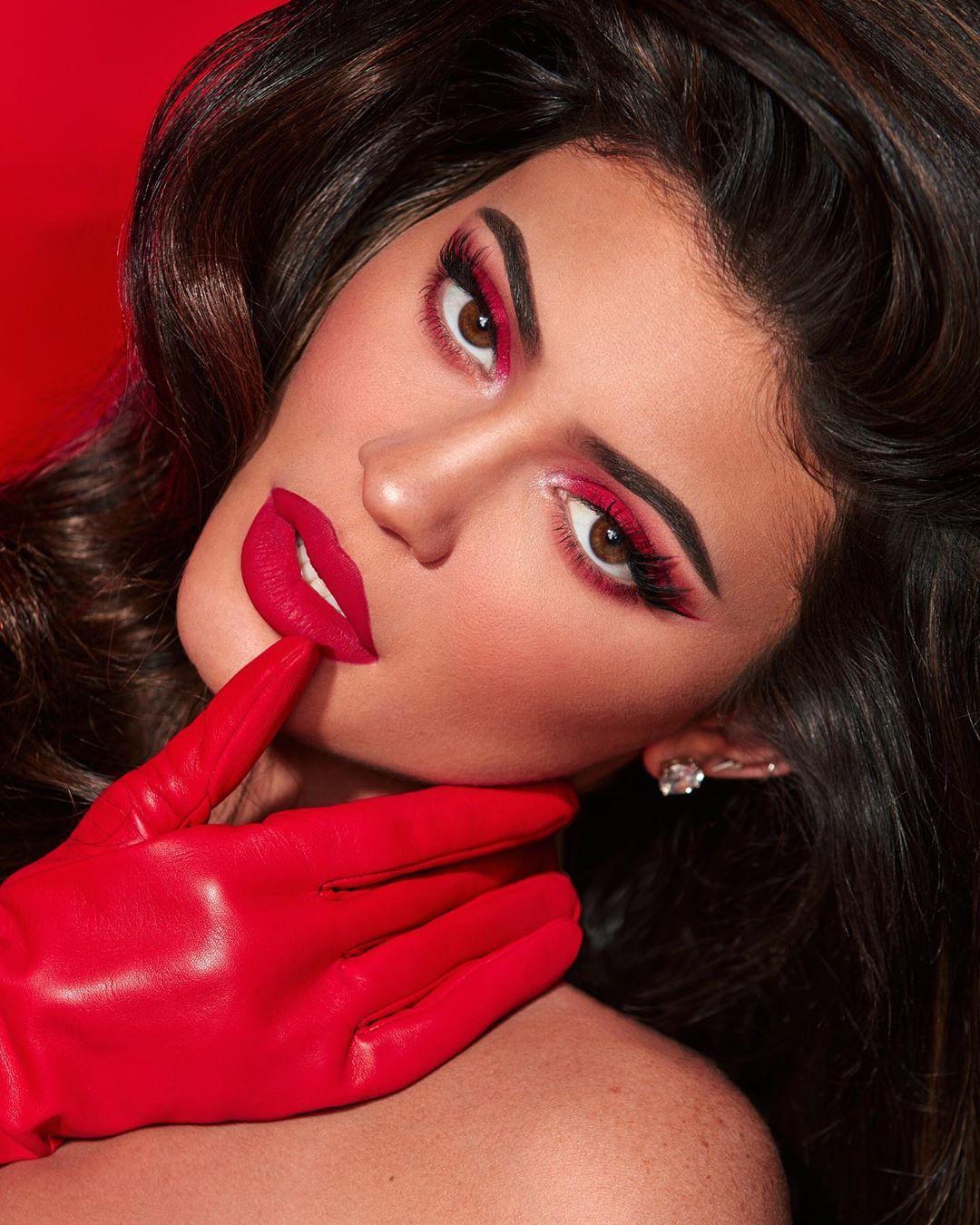Coty compra el negocio cosmético de Kylie Jenner.