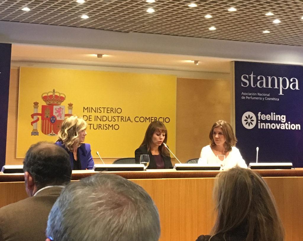 Cristina Garmendia, presidenta de la Fundación COTEC, y Val Díez, directora general de Stanpa.