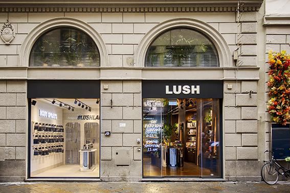 Fachada tienda Lush Library Florencia