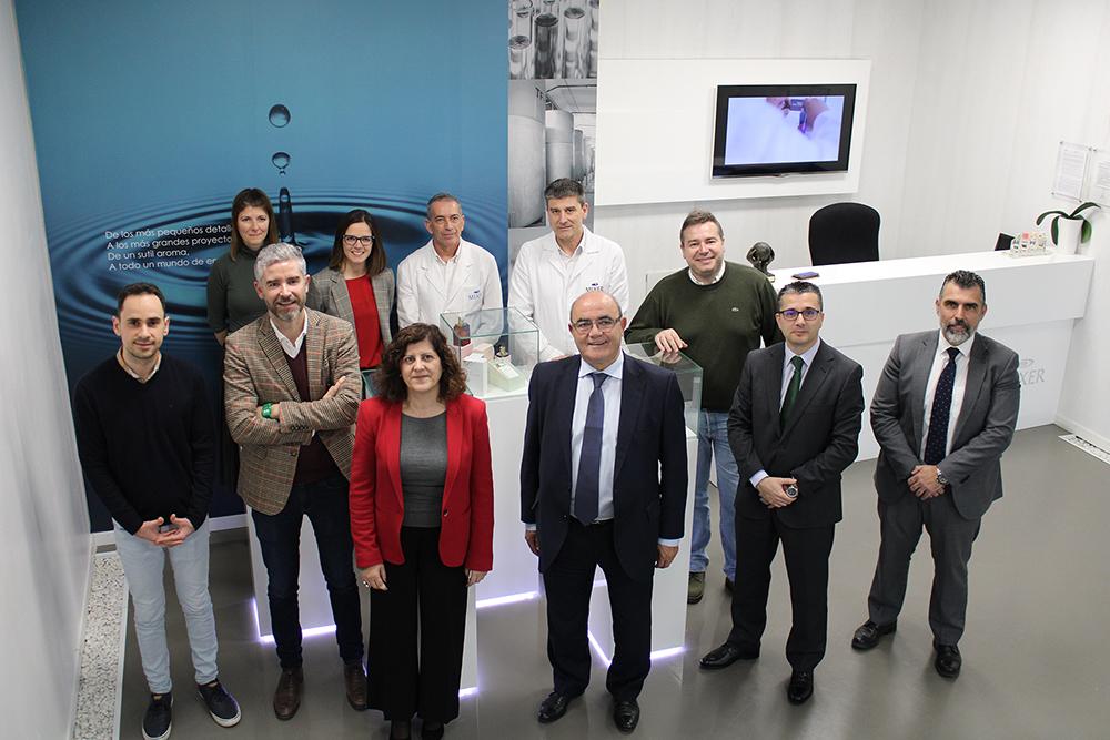 La CEOE visita Mixer&Pack con motivo de su nueva planta de fabricación de perfumería.