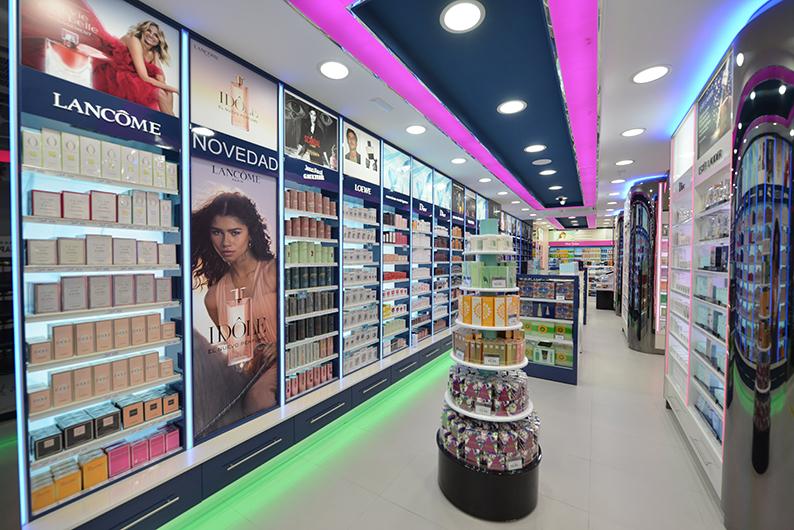 Perfumería Aromas en calle Columela, Cádiz. Aromas inaugura nueva tienda en el centro de Cádiz