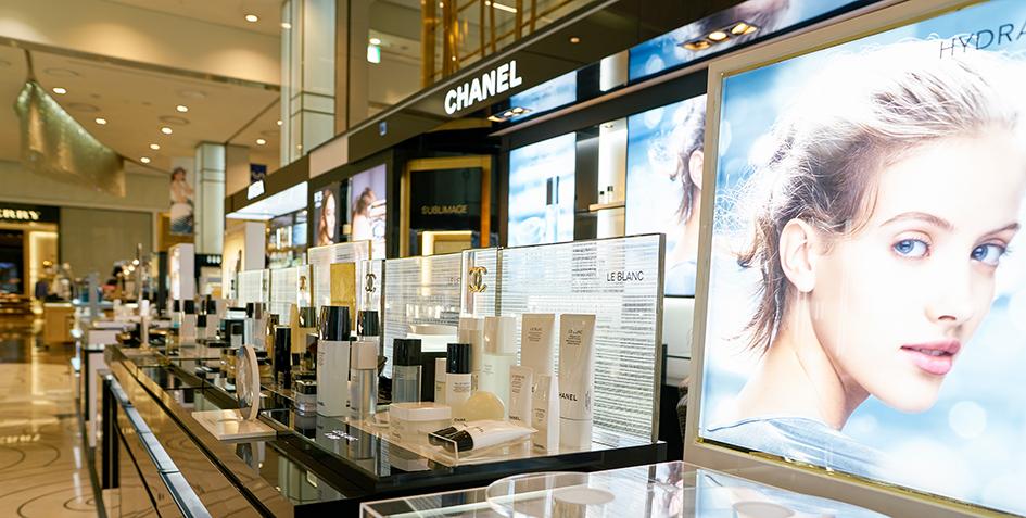 Tienda de Chanel en Corea. Largas filas en Corea para comprar en Chanel en la etapa post- Covid
