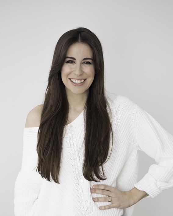 Miriam Llantada, autora de Secrets & Colors