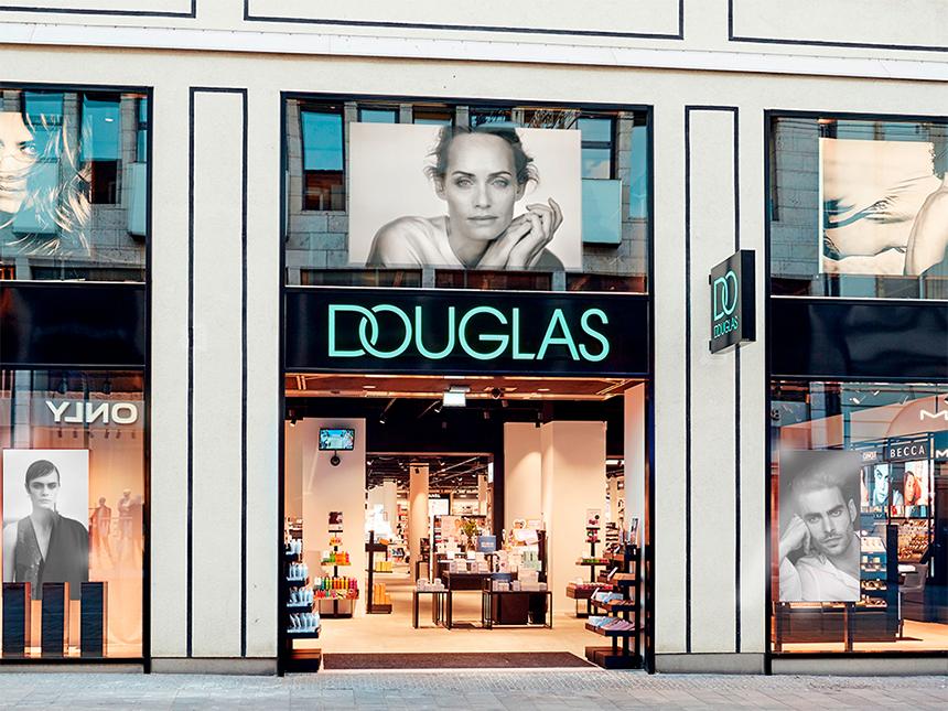 Douglas firma un acuerdo con Glovo