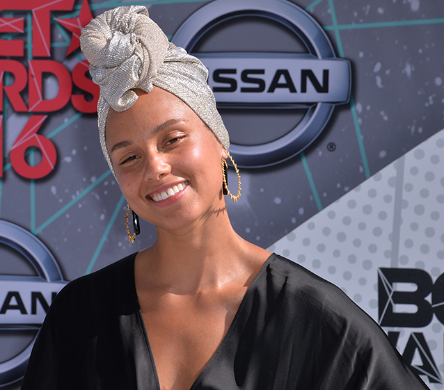 Alicia Keys lanza marca con Elf Beauty