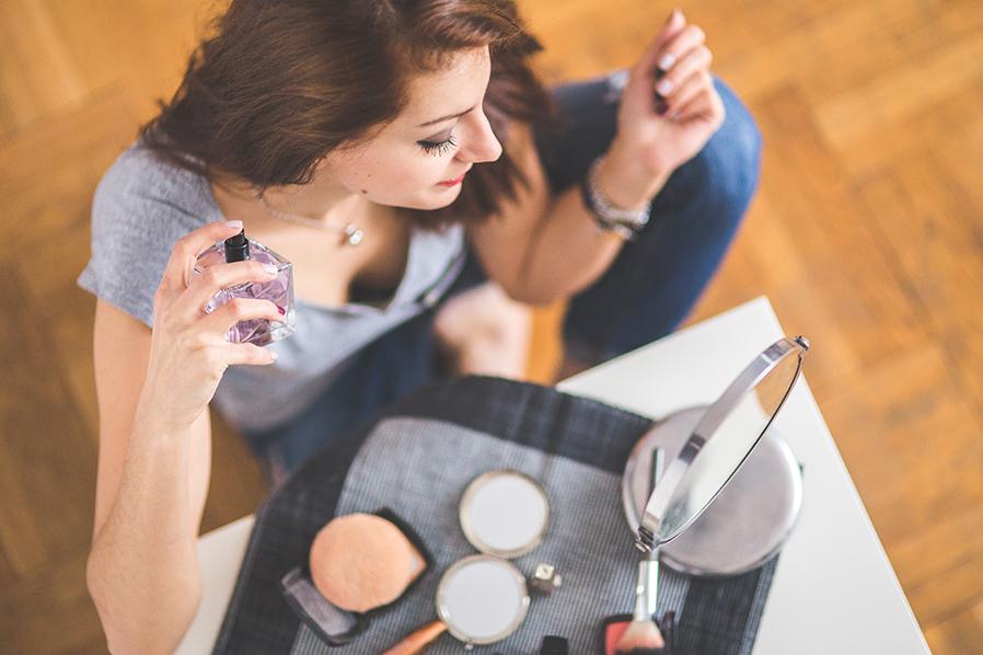 perfume_mujer_en_casa para artículo venta de fragancias